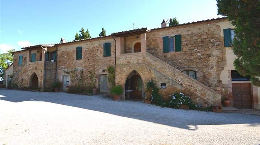 pienza-siena-tuscany-farmagricultural-land-for-sale