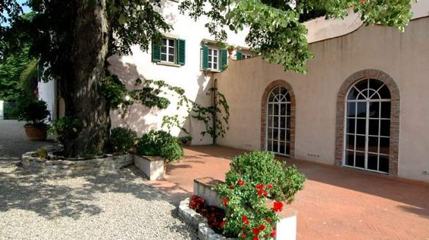 fiesole mature singles The village of caldine belongs to the municipality of fiesole, in the province of   there are eight hundred and eighty-seven singles (four hundred and fifty-two  males  mature couples, families with young children, families with older  children,.