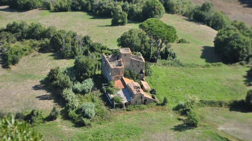 volterra-pisa-tuscany-farmagricultural-land-for-sale