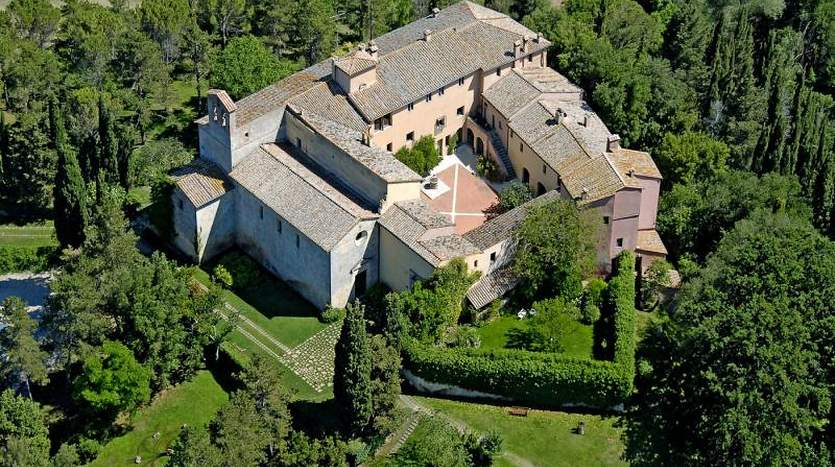 montepulciano-siena-tuscany-farmagricultural-land-for-sale