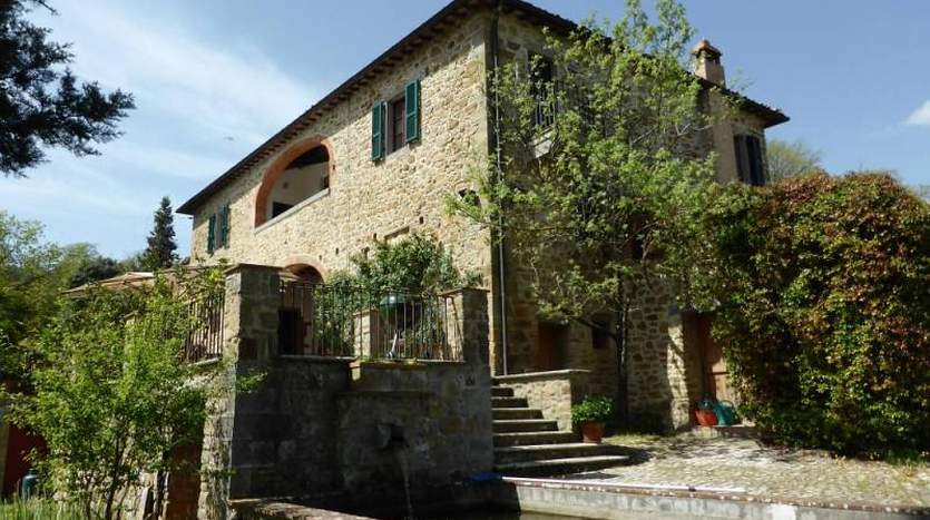 sinalunga-siena-tuscany-farmagricultural-land-for-sale